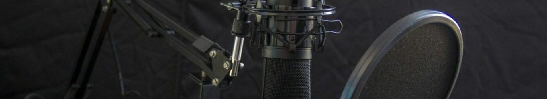 cropped-MaxPixel.freegreatpicture.com-Audio-Headset-Headphone-Microphone-Studio-Radio-616788-e1585723217719-5.jpg